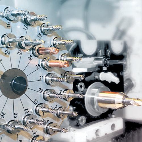 Werkzeugservice auch komplexer Werkzeuge mit speziellen Maschinen